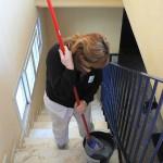 Limpieza rutinaria de escaleras de vecinos en Zona Centro de Sevilla.