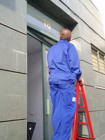 Limpieza de cristales, paredes, fachadas de comunidades de vecinos y empresas en Sevilla