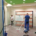 Limpieza fin de obra para la apertura de nuevo local comercial en Tomares (Sevilla).